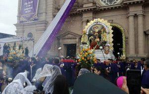 Misa y procesión del Señor de los Milagros en Tacna – Primer recorrido 2017